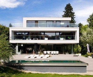 Dynamic Minimalism: Luxurious Family Residence in Austria