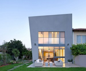 Ecological House Herzliya by Neuman Hayner Architects