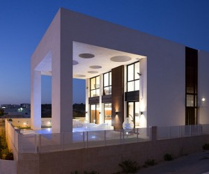 Eirus House by Dan and Hila Israelevitz Architects