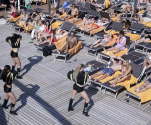 End Of Crisis by William Minke