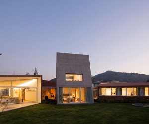 Enrique Browne and Toms Swett Design this Beautiful Home in Santiago, Chile