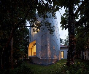 Erik G. LHeureux AIA Designed a Contemporary home located in Singapore