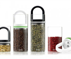 EVAK: Air Out Glass Food Containers