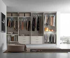 Fabulous Walk-In Closets to Make your Mornings a Lot More Organized