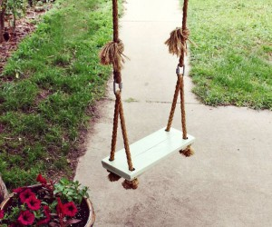 Fantastic DIY Porch and Garden Swing Tutorials for Spring