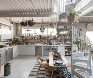 Fascinating Detached Warehouse Conversion in London