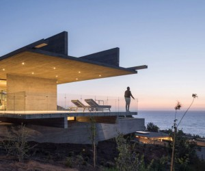 Felipe Assadi Designs Monolithic Concrete House On Chilean Coast