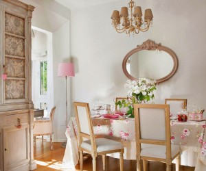 Feminine delight in a 60 sqm apartment