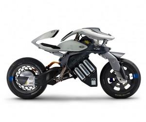 First Look at Yamaha MOTOROiD Motorcycle