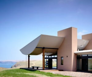 Flinders House located on the sweeping hill in coastal Victoria