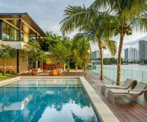 Floating Eaves Residence: Affluent Contemporary Paradise in Miami