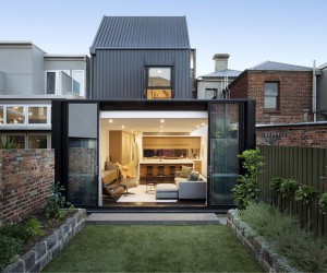 Frame Terrace House by McMahon and Nerlich Architects