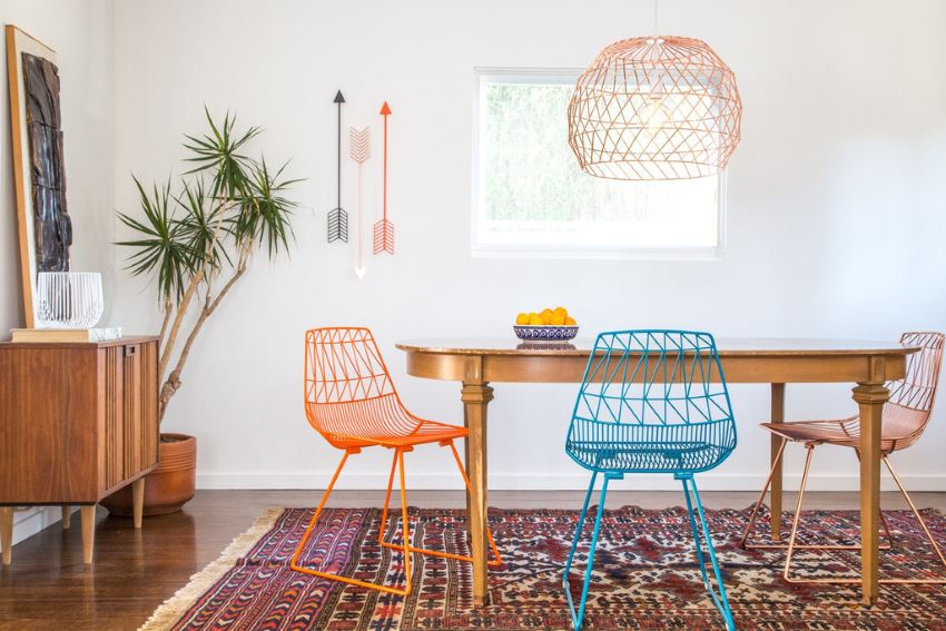 Function and style combine in bend wire decor