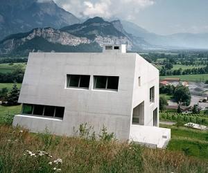 Gartmann House by Aschwanden Schrer Architekten