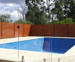 Glass Pool Fencing Melbourne: Pools R Us