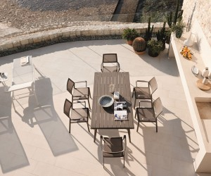Going Nautical and Doing the Samba: Luxurious Outdoor dcor Full of Personality