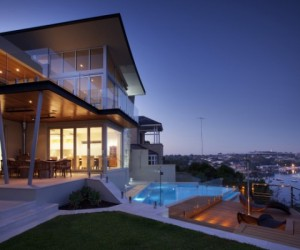 Going with the flow: 8 contemporary riverside houses