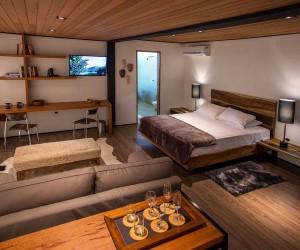 Gorgeous Greenery and Minimal Footprint Create Stunning Brazilian Cabin