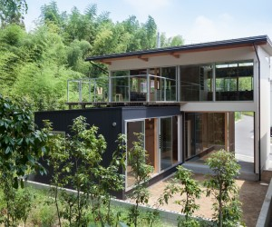 Green and Live House by Akka