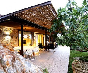 Guest House by Dom Architecture