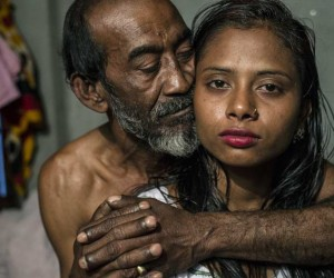 Heartbreaking Photos of Kandapara Brothel in Bangladesh by Sandra Hoyn