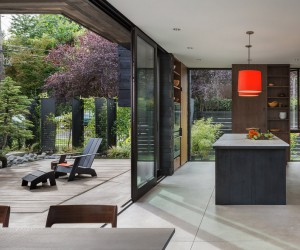 Helen House is a Simple Modern Structure Integrated with a Quiet Courtyard