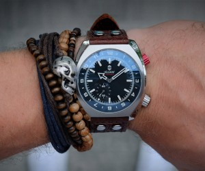 Helgray Hornet Watch