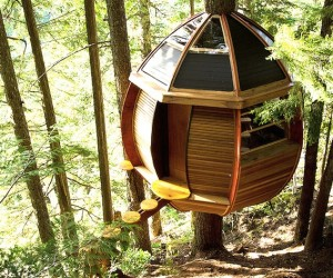 HemLoft Treehouse in Canada