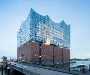 Herzog  de Meuron designed a Futuristic Building in Hamburg, Germany