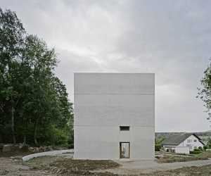 Hexahedron House by Architekturbro Stocker