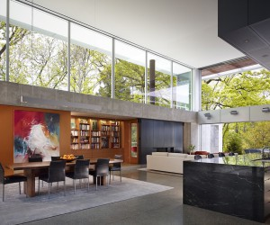 Hinsdale House Has an Ideal Exposure to the Sun and Protected Views