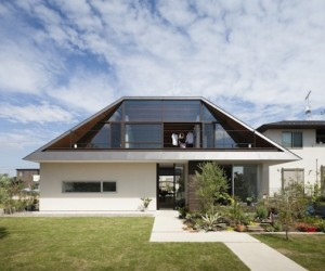 Hip Roof Home by Naoi Architecture