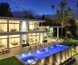 Holmby Hills Residence in California by Quinn Architects