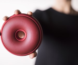 Hoop portable bluetooth speaker by Spalvieri  Del Ciotto