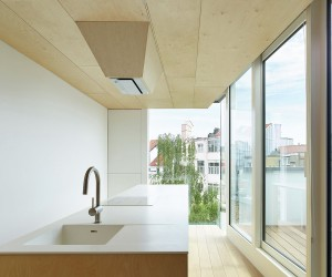 House Extension by Edouard Brunet, Franois Martens