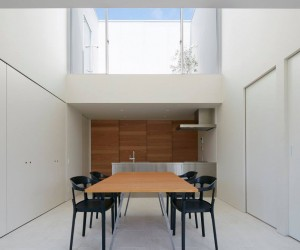 House in Horie by Hayato Komatsu Architects