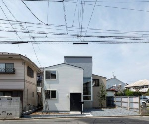 House in Ichikawa-Yawata by Umbre Architects
