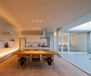 House in Jiyugaoka by MANI Architect Office