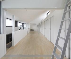 House in Nyugawa by Hayato Komatsu Architects