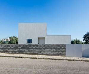 House in Preguiosas by Joo Branco  Paula del Ro