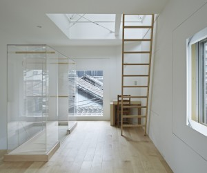 House in Tsukishima by ICADA