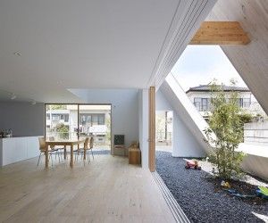 House in Utsunomiya by Suppose Design Office