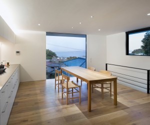 House in Yokosuka by Takashi Kurihara Architects