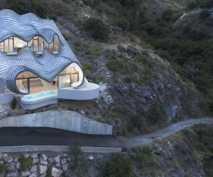 House on the Cliff by GilBartolm Architects