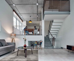 House S: Urban Home with a Split-Level Living Area and Ample Natural Light
