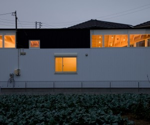 House with a Courtyard by Tatsuyuki Takagi Architects Associates