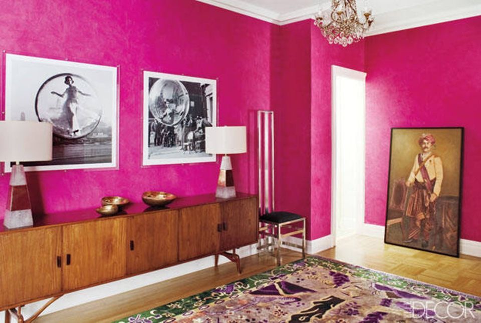 How To Decorate A Large, Blank Wall