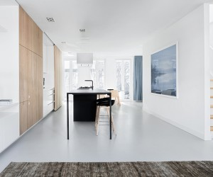 i29 Turns Amsterdam Flat into Spacious Loft