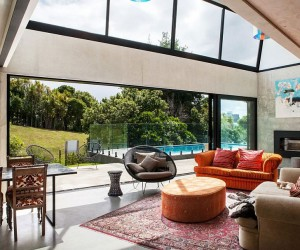 Industrial Ingenuity: Contemporary Auckland Home in Concrete, Steel and Glass