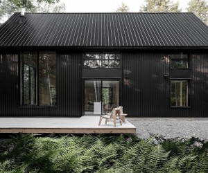Inspired by Nature and Vernacular Design: Gorgeous Contemporary Canadian Chalet